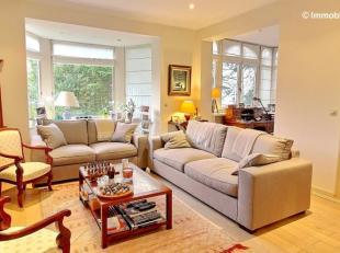 Quartier Prince d'Orange/Fond Roy, ravissante maison années 20. La maison se compose: au rez de chaussée (environ 100 m2): grand living