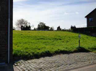 Deze bouwplaats van 8 are 34 ca ca is rustig gelegen in de deelgemeente Boekhout bij Gingelom.<br /> Lot 1. 17 min van de E40 - 13 km van het station