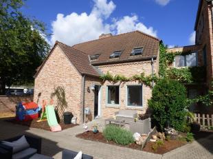 Gezellige woning met 2 slaapkamers te huur aan het begijnhof van Sint-Truiden.<br /> De woning heeft volgende indeling:<br /> Inkom, gastentoilet, woo