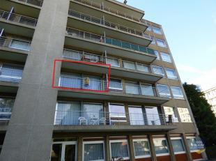 Gezellig appartement op wandelafstand van het centrum van Sint-Truiden. Indeling: inkom, 1slaapkamer, leefruimte, ingerichte keuken, ingerichte badkam