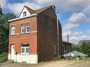 TILLY Bonne maison entièrement rénovée en 2010, comprenant un hall d'entrée, une toilette, un living de 40m2, une cuisine
