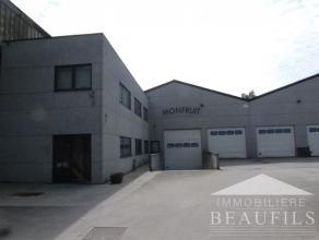 ARQUENNES (proximité Nivelles) Immeuble industriel de +/- 1.325m² (boulangerie), comprenant une surface de stockage de 900m², un espa