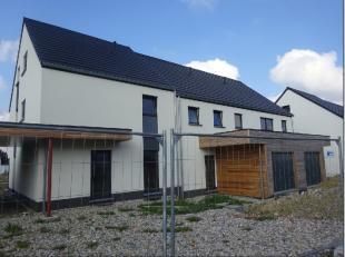 Cet ensemble de 19 maisons neuves sont vendues en gros oeuvre fermé couvert (murs, châssis, isolation et toiture). Nouvel ensemble harmon