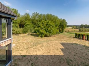 GOOIK - Uniek gelegen nieuwbouw villa met uitzonderlijk vergezicht!<br /> Deze woning bestaat uit een inkom, open keuken, ruime living met een prachti