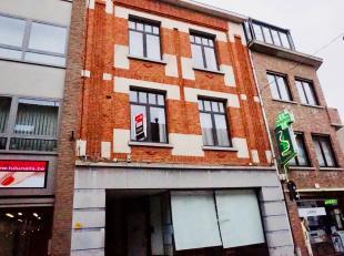 Modern appartement op de eerste verdieping in het centrum van Leuven met 1 slaapkamer.<br /> Indeling: inkomhal/gang met inbouw vestiairekasten, bergi