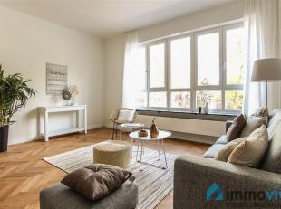 Luxueus gerenoveerd appartement met behoud van authentieke elementen. We vinden deze kwaliteitsvolle renovatie terug langsheen de Grotesteenweg (zijde