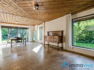 Algemeen<br /> Deze ruime woning met 5 slaapkamers is gelegen in een zeer gegeerde residentiële villawijk te Boechout. Het mooi perceel van 1000m