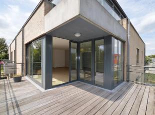Centre de Waterloo - Splendide appartement de 129m² situé au 1er étage d'une petite résidence avec ascenseur - excellente si