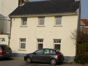 Chouette petite maison en duplex , au calme à Braine-l Alleud et en excellent état.<br /> REZ : entrée , cuisine super équ