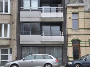Dit appartement is gelegen in een kleine residentie met 7 woongelegenheden, in het centrum van OostendeIndeling appartement: * inkom * woonkamer * ope