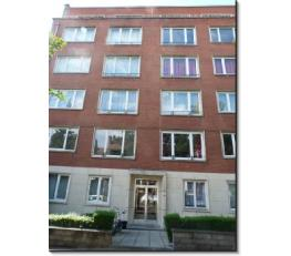 Appartement très lumineux de 95 m2 entièrement remis à neuf il y a trois ans, intérieur design.<br /> 2 chambres de 13 et