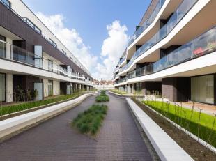 Cinquantenaire. NEW mooi appartement van ± 113 m² woonoppervlak, waaronder een inkomhal, een eetkamer, een ingerichte keuken (dubbele spoe