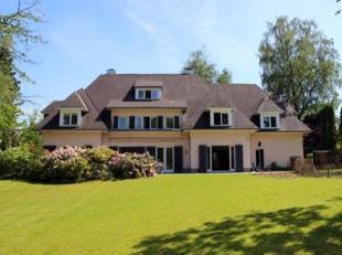 W- 02F2MW  Deze ruime villa gebouwd op een mooie  west gericht grond van +/- 16 ares biedt u een open zicht op de omgevingen. Het werd grondig gerenov