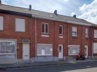 Nabij het centrum van Wevelgem staat deze uiterst verzorgde woning te koop. De woonst is zowel geschikt voor starters als voor investeerders. Parkeren