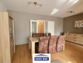 SITUATION Superbe appartement entièrement rénové situé proche du centre de Tubize, dans une petite copropriét&eacut