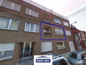 SITUATION Proche du centre, dans une copropriété de 11 appartements, studio - flat de +/- 50m², bonne situation par rapport &agrave
