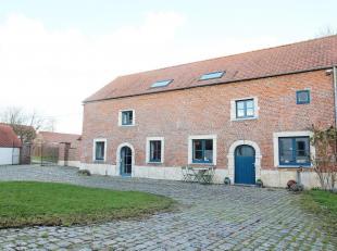 A Orbais, dans une ferme en carré entièrement rénovée, charmante maison type fermette (4/5 ch) (180 m²) avec jardin,