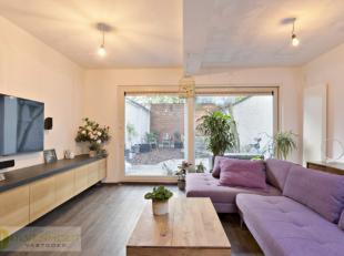Bent u op zoek naar een gerenoveerd appartement dat centraal gelegen is in Antwerpen? Dan hebben wij voor u dit triplexappartement in de Albert Grisar