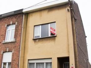 Seraing: située dans le quartier de la Chatqueue, maison 2 chambres à rafraichir. Possibilité de 4 chambres en aménageant