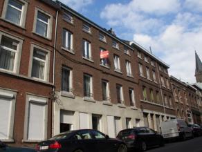 OPTION! Immeuble de rapport composé de 5 appartements (1 appartement de 3ch, 2 appartements de 2 ch et 2 grands duplex d'1ch).Rendement int&eac