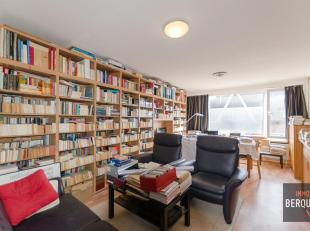 Appartement met 2 slaapkamers in een kleine residentie met slechts 7 appartementen. Dit appartement is gelegen op een tweede verdieping en omvat: Inko