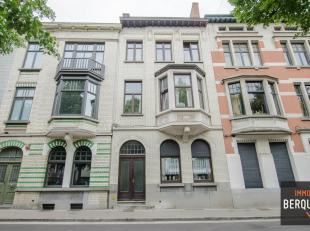 Leuk dakappartement/studio met 1 slaapkamer in een kleinschalig gebouw met slechts 4 appartementen gelegen op wandelafstand van het Sint-Pietersstatio