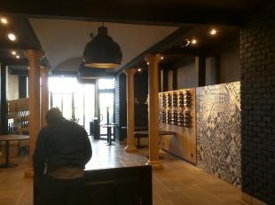 Restaurantruimte te huur in koopcenter. 140 m²<br /> West-vlaanderen.<br /> Met aparte ingang aan buitenzijde koopcenter ( kan dus afzonderlijk f