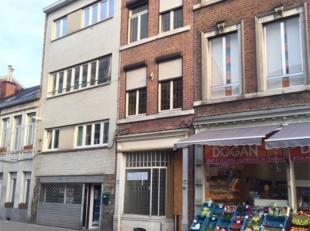 Opportunité d'investissement! Maison de +- 175m² à rénover ( frais de rénovation: +- 100.000euro) pour en faire trois