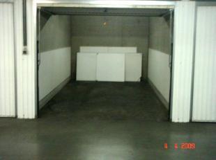 Naam van de residentie: Symfonie Ruime garagebox vlakbij centrum van Middelkerke.Ideaal voor grote wagen.Zeer droge garagebox