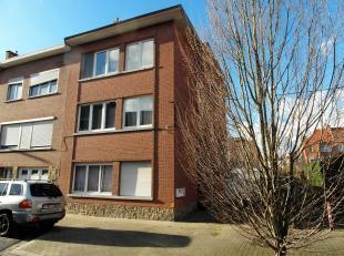 Opbrengstwoning met 3 appartementen te Ruisbroek, gelegen in een rustige straat, nabij het centrum van Ruisbroek en op wandelafstand van het station.