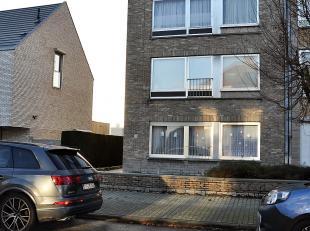 Appartement van 87m² op de eerste verdieping bestaande uit een inkomsthal, living, ingerichte keuken, 2 slaapkamers, badkamer, aparte WC en terra