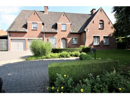 Villa à vendre à Lauwe, € 680.000
