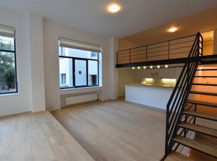 Quartier du Châtelain<br /> Triplex dans bel immeuble de standing de 184m².<br /> Séjour/salle à manger avec parquet, cuisine