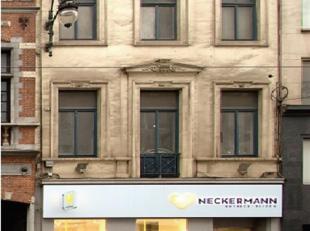 Quartier Louise/Stéphanie, Commerce de 81,52 m² + cave de 30,89m². + cour de 20,99m². Ces surfaces sont net.<br /> Surface burea