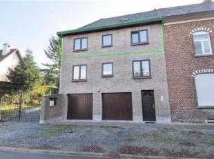 Super gelegen in een rustige straat bevindt zich dit appartement met 2 slaapkamers te Halle. Het appartement is gelegen op de 2de verdieping en omvat: