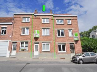 Maison avec 3 chambres & jardin sur un terrain 3a 56ca à Beersel. La maison comprend au rez-de-chaussée: living/salle à mange