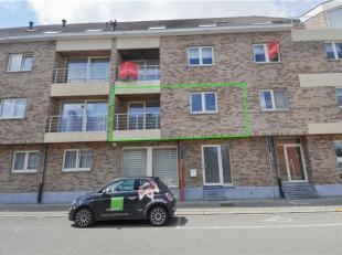 ----  OPTIE  ----  Instapklaar appartement op de 1ste verdieping (lift) met 1 slaapkamer, terras & garage op wandelafstand van het station te Hall