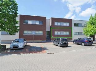 Rustig en nieuw appartement op de gelijkvloerse verdieping met 2 slaapkamers, zeer ruim terras & ondergrondse staanplaats te Halle (Essenbeek) met