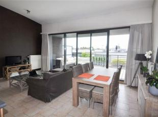 Instapklaar en lichtrijk appartement op de 4e verdieping met 2 slaapkamers, zeer ruim en prachtig terras + twee ondergrondse staanplaatsen in de onmid