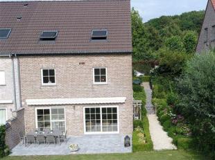 ----  OPTION  ---- Spacieuse maison 3-façades avec 5 chambres, garage & jardin avec belle vue sur les champs dans un état impeccable