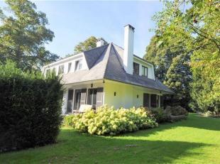 Charmante villa située à Rhode-Saint-Genèse sur la frontière d'Uccle et Waterloo. Un espace de vie ensoleillé avec