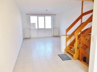 Très agréable maison bel étage entièrement rafraîchie en parfait état et idéalement située au c
