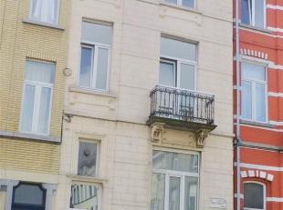 Entre le Square Armand Steurs et la Place Dailly, proximité avenue Deschanel. Maison de rapport, style maison de maître, à quatre