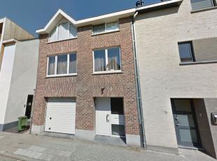 Deze moderne woning van +/-189 m2 bevind zich op wandelafstand van treinstation van Wijgmaal.Gelijkvloers: garage en berging/wasruimte.Eerste verdiepi