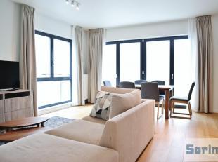 Situé à proximité du centre d'Uccle et de la gare de Calevoet, magnifique appartement meublé de +/- 110 m² construit