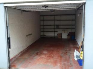 Garage à louer                     à 1731 Zellik