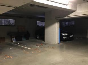 Ondergrondse staanplaats in Residentie Gulden Toren te Halle. Automatische poort met afstandsbediening.