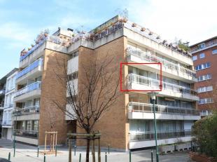 Lichtrijkappartement met 1 slaapkamerresidentieel gelegen. Gelegen op wandelafstand vanhet Albertpark, Marie-Josépark en het Muzenpark en opfie