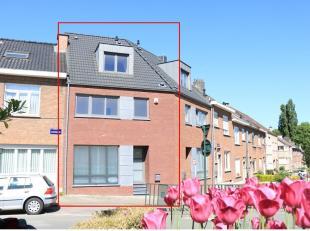Zeer aangename, recenteen moderne woning met 4 slaapkamers afgewerkt met de betere materialen. Deze woning is rustig en resdentieel gelegen in een dor