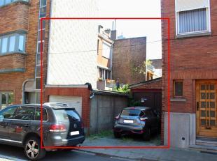 Goed gelegen bouwgrond in centrum Vilvoorde voor woning of twee appartementen.Het bouwperceel is gelegen op amper 300 m lopen van het centrum en vlakb